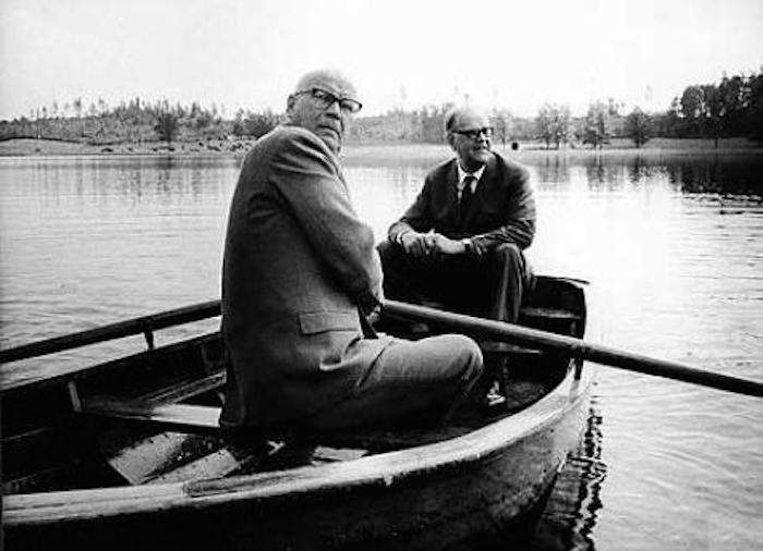 Urho Kekkonen and Tage Erlander in a rowboat.
