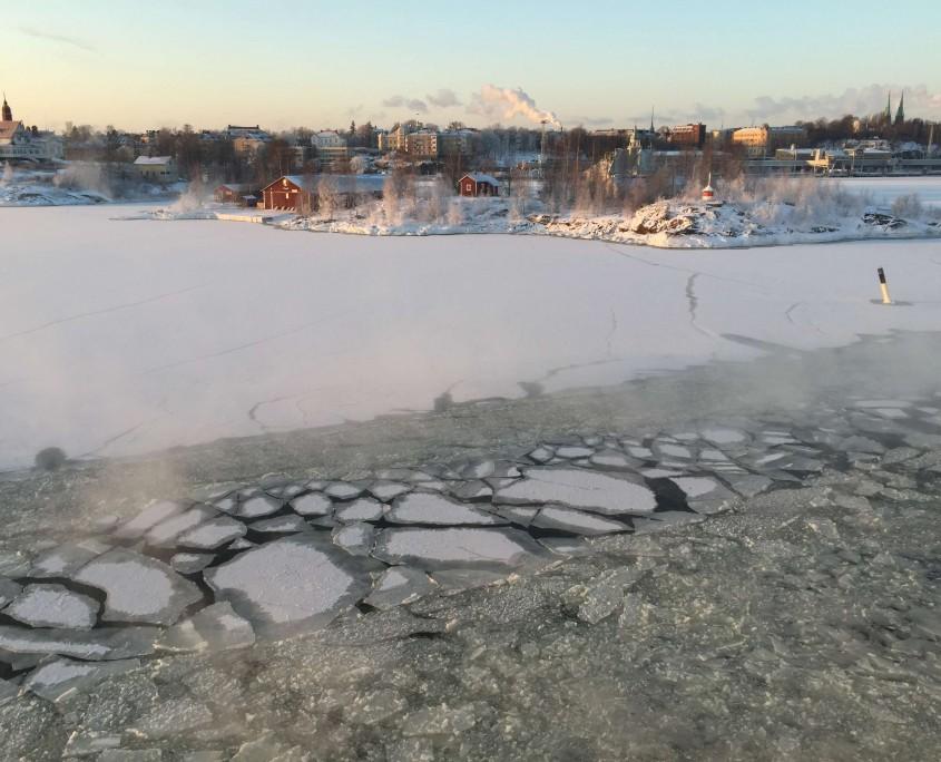 Helsinki sea ice 3