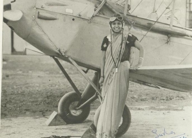 Sarla Thakral, 21 years old, the first Indian woman to earn a pilot license.