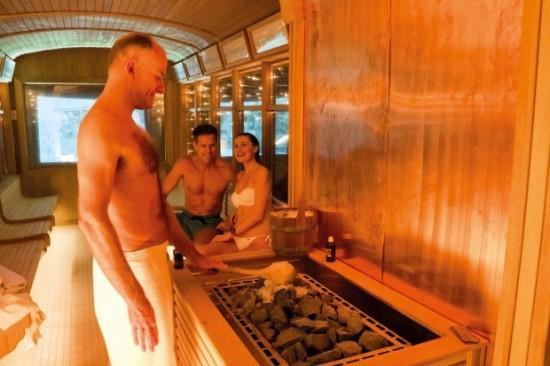 sauna tram 2