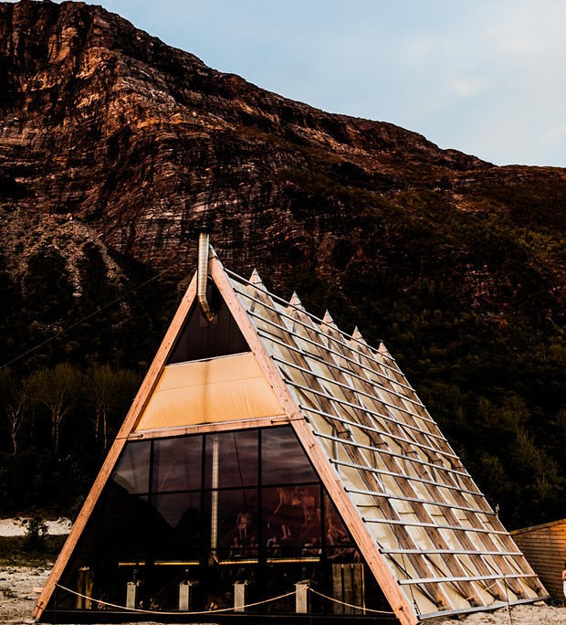 worlds-largest-sauna-agora-salt-festival-norway-designboom-02