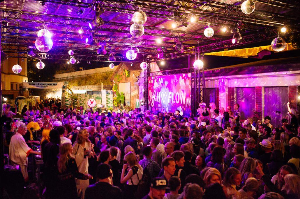 DJ lounge at Flow Festival 2015. Photo by Samuli Pentti.