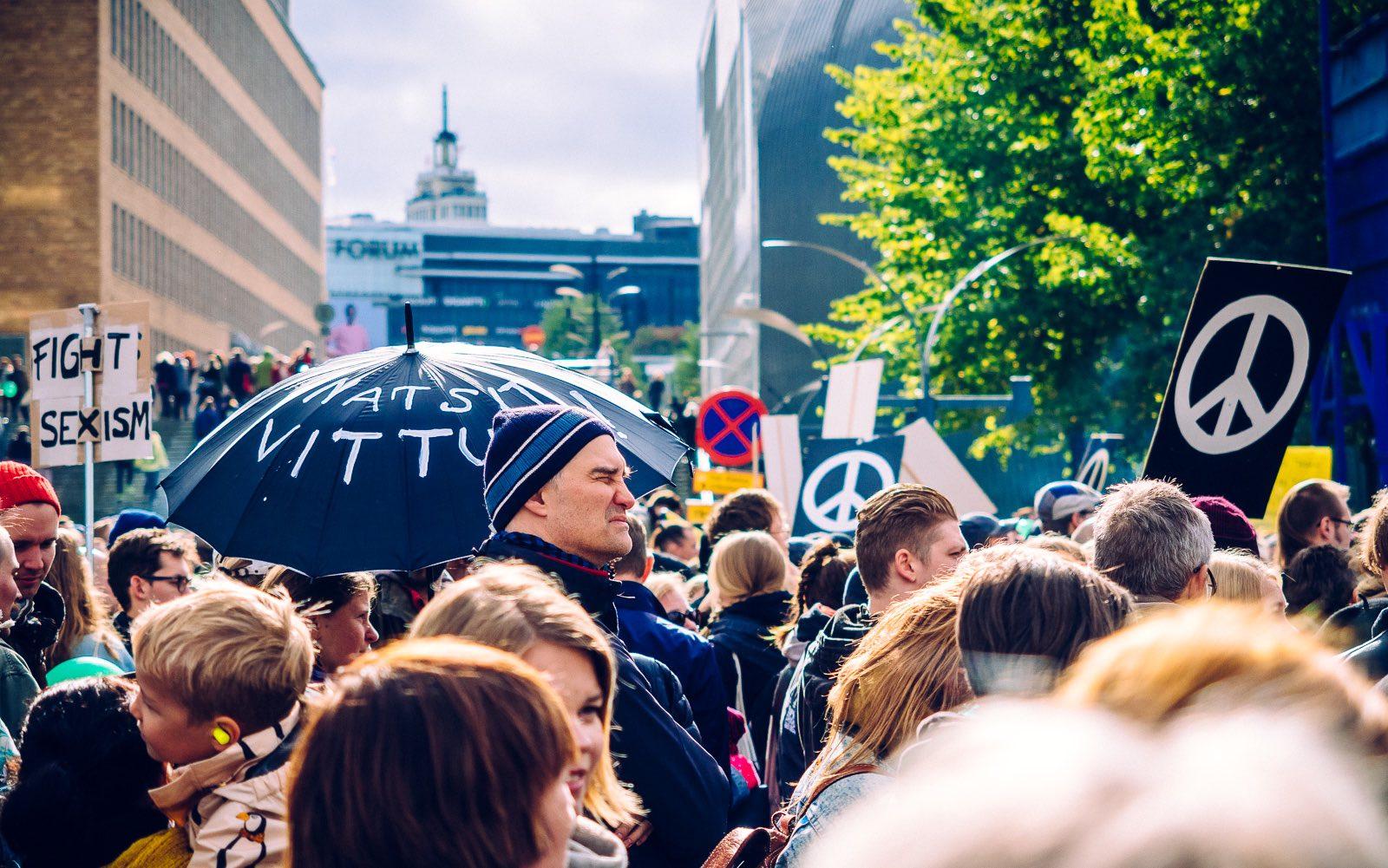 peli-poikki-anti-racist-march-1