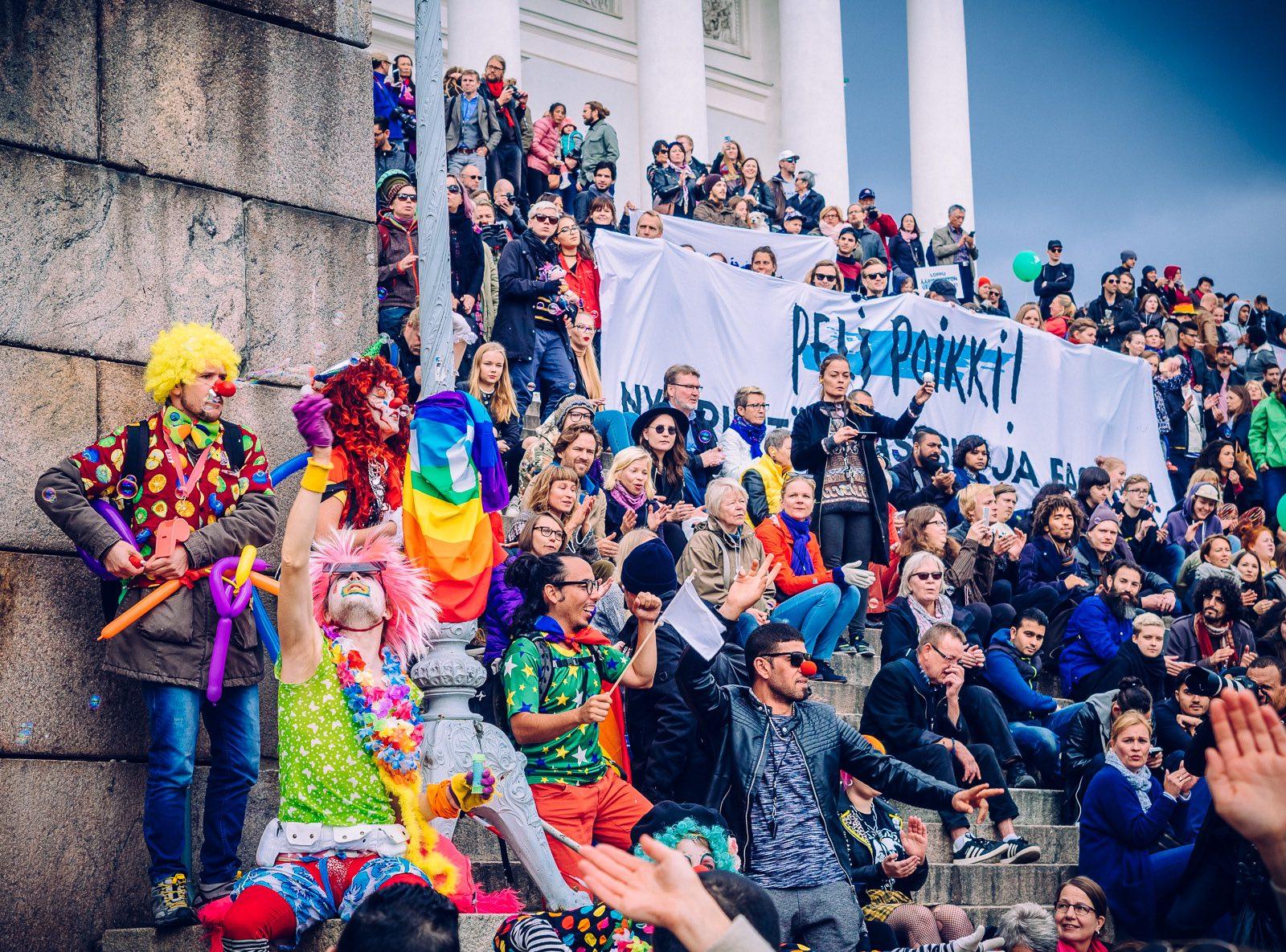 peli-poikki-anti-racist-march-10