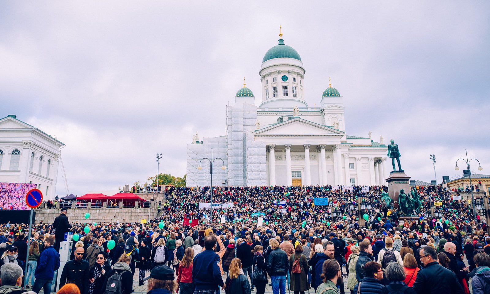 peli-poikki-anti-racist-march-4