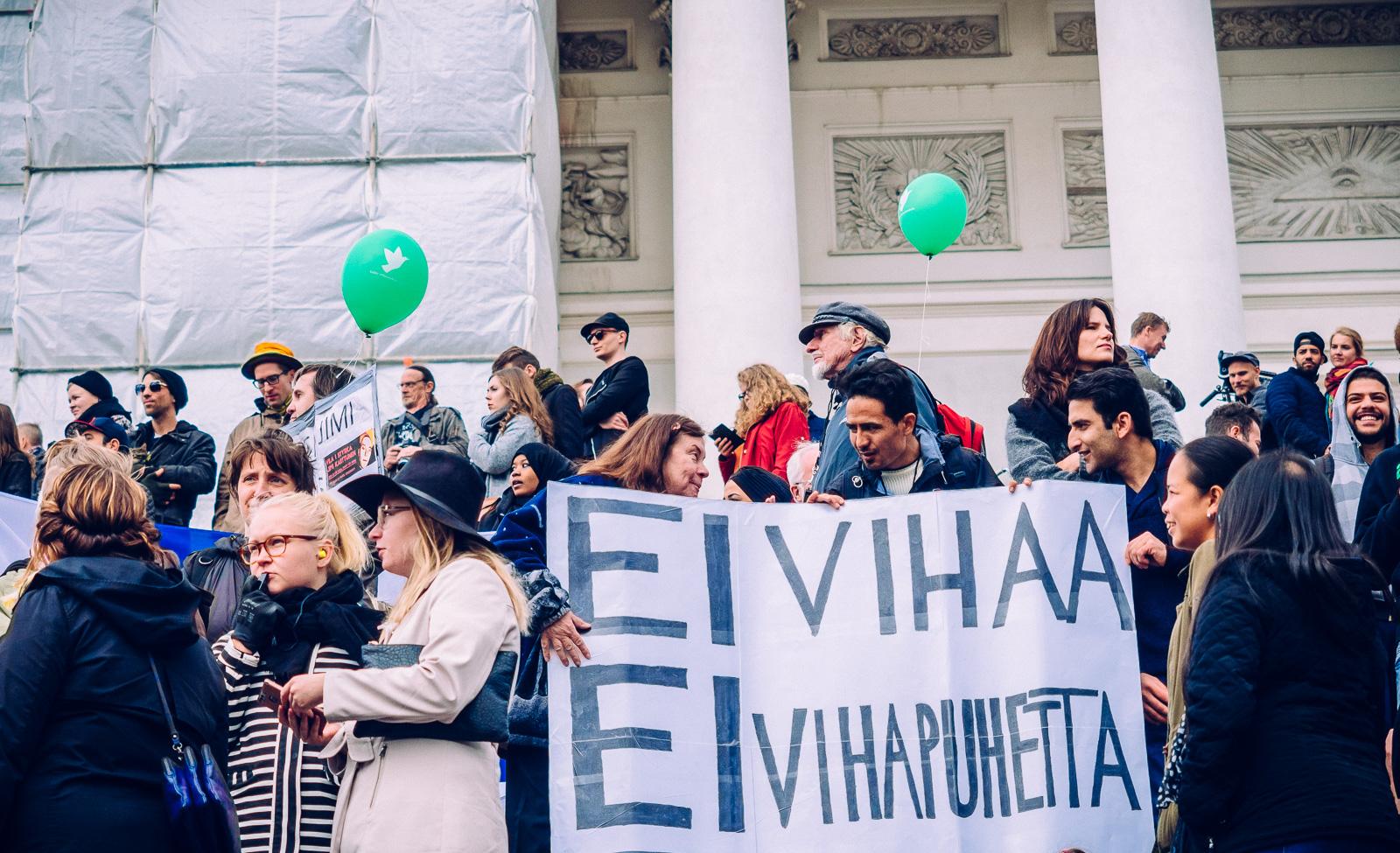 peli-poikki-anti-racist-march-7