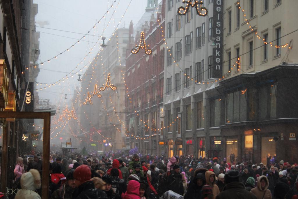 Aleksanterinkatu Christmas lights in Helsinki