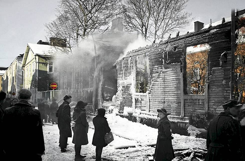 Bombed out wooden houses in Helsinki, 1944.