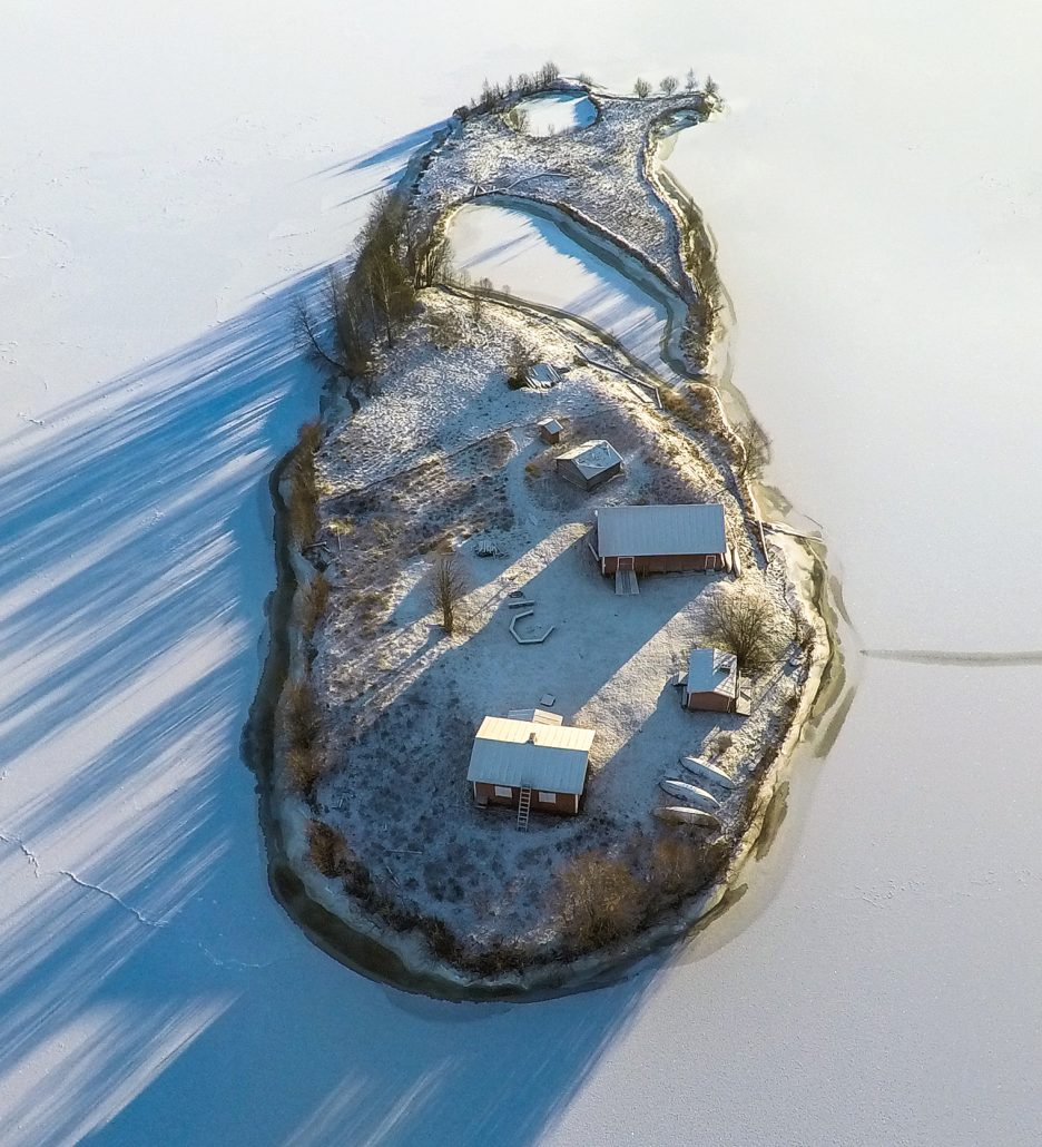 Jani Ylinampa: photo of small island from above during winter