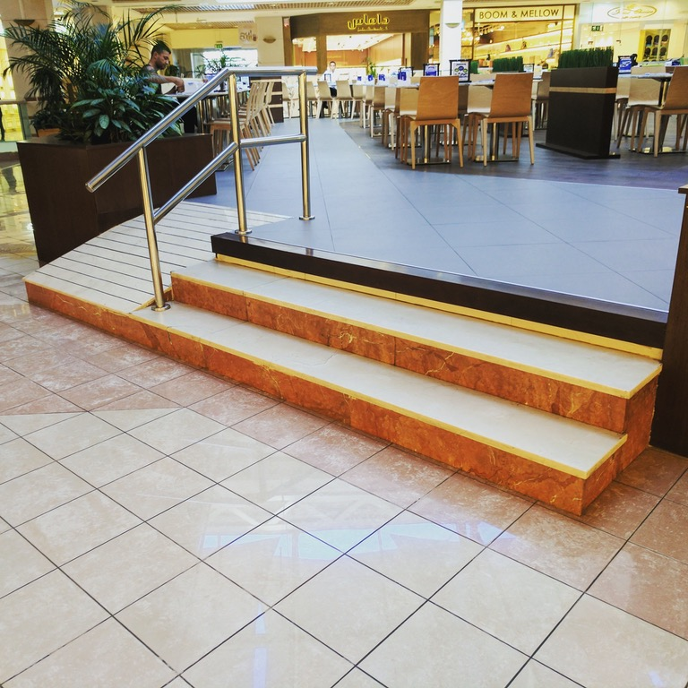 Wheelchair ramp with impossible threshold