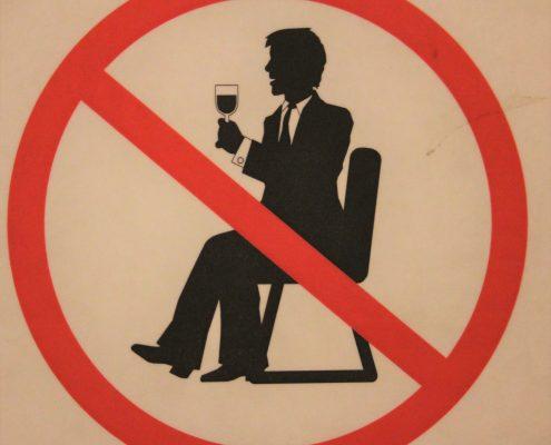 alcohol forbidden sign