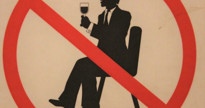 alcohol forbidden sign