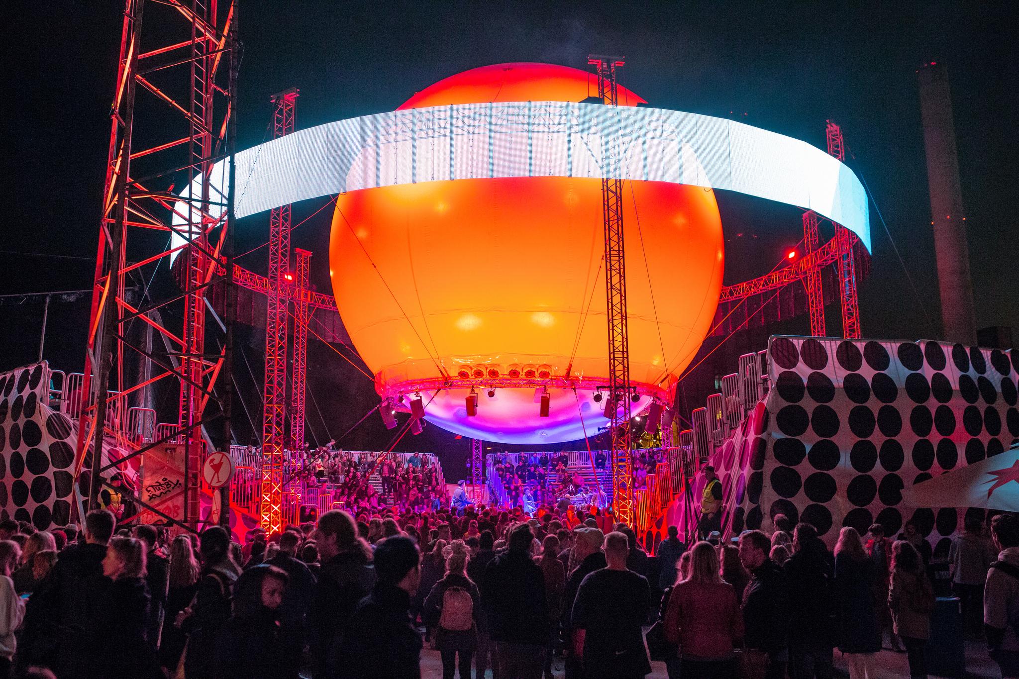 Flow Balloon stage