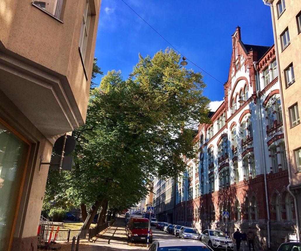 Kruununhaka, Helsinki lush September streetscape at rauhankatu