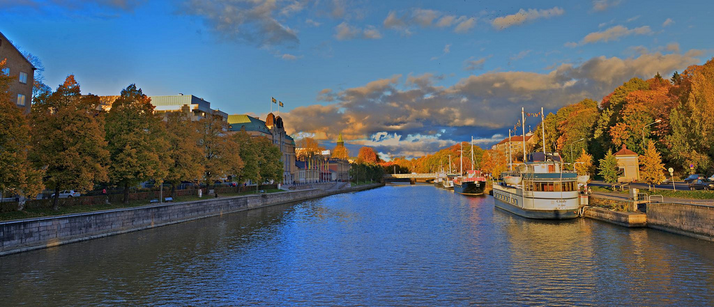 Aurajoki river during autumn afternoon